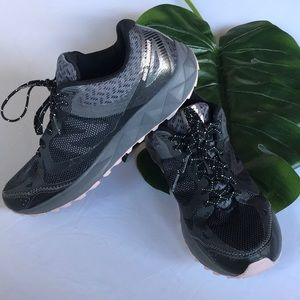New Balance All terrain sneakers